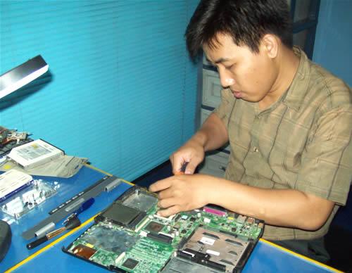 Politeknik Tugu Jakarta Pelatihan Teknisi Laptop