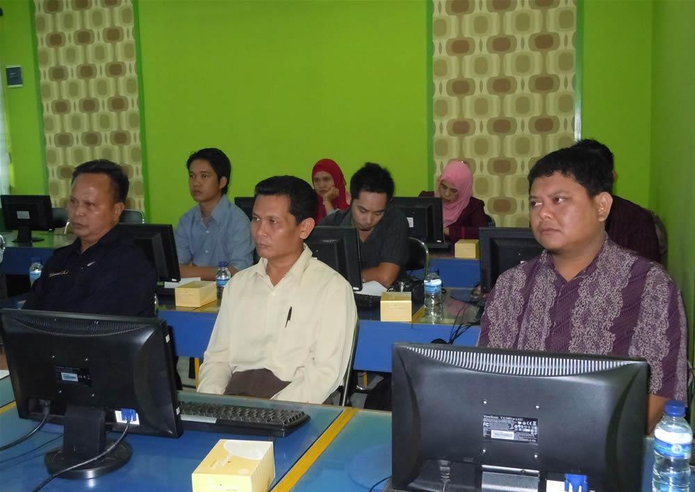 Sekretariat DPRD Kab Berau Bimtek Keuangan