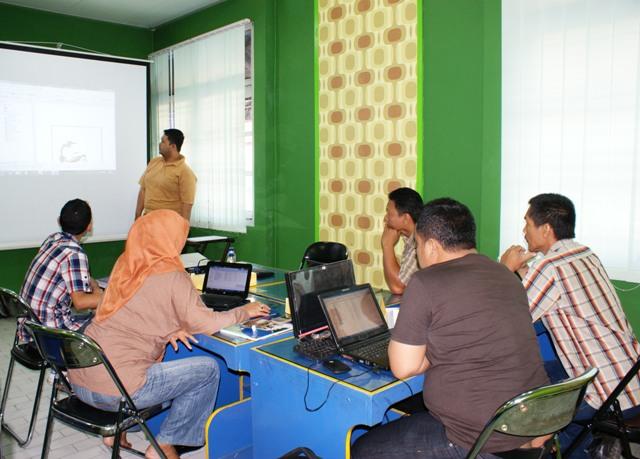 LPMP Palu mengikuti pelatihan GIS