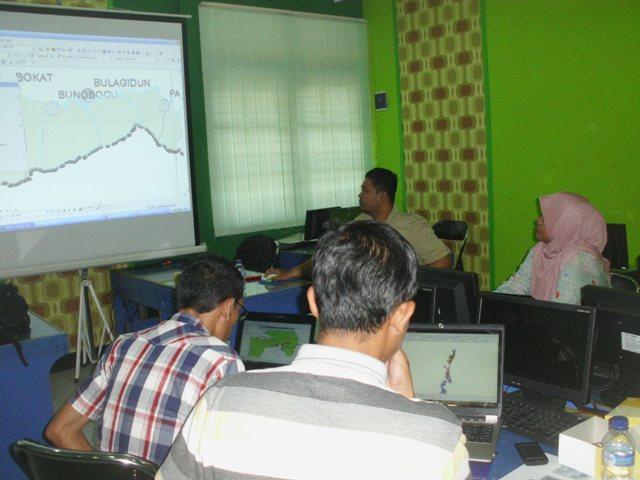 LPMP Palu mengikuti pelatihan GIS di Smile
