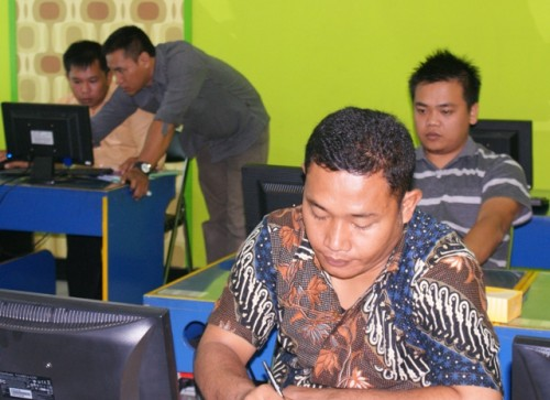 Humas SETDA Kabupaten Dairi Pelatihan Desain Grafis