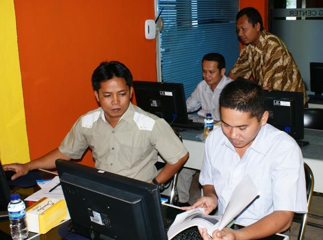 DISTANAKAN BARTIM Pelatihan Administrator Web.jpg