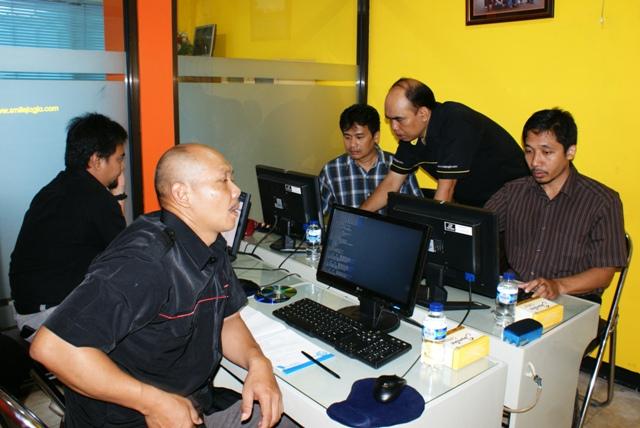 Politeknik Negeri Semarang Mengikuti Pelatihan Linux Server-02