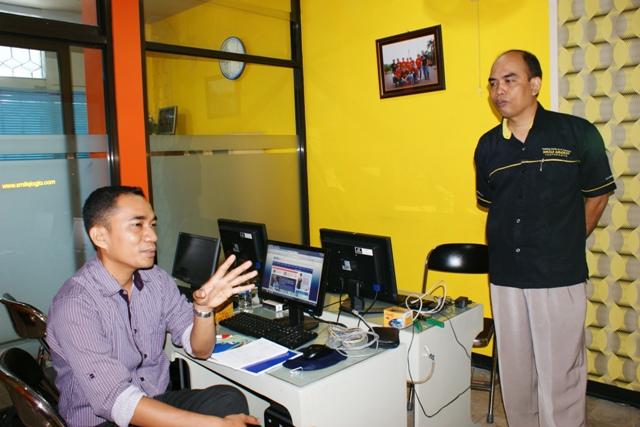 Universitas Tadulako Palu Sulawesi Tengah BIMTEK Jaringan Komputer