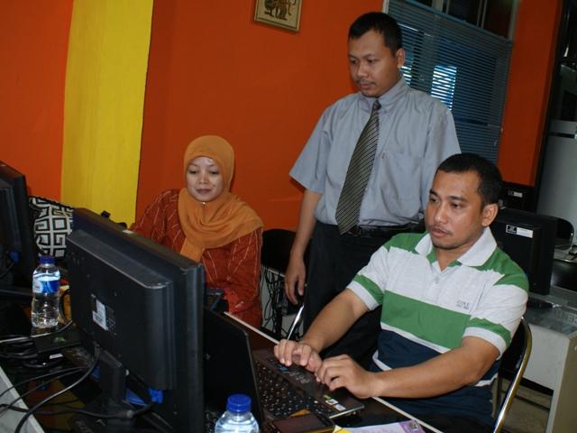 Pelatihan desain web LEMLIT univ Nusa cendana Kupang-01
