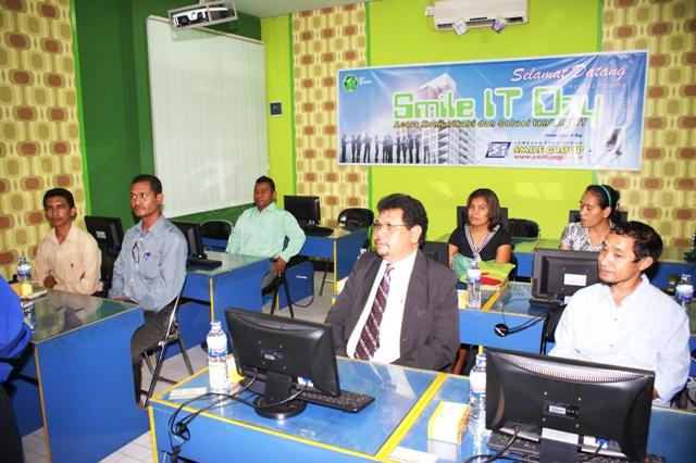 Pelatihan TI di Smile Group