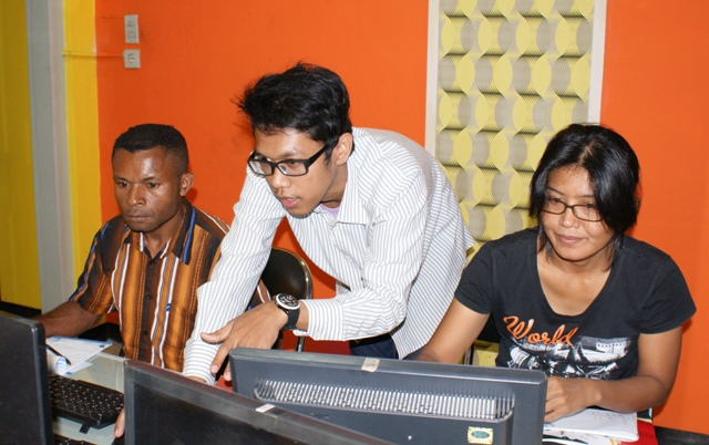 OXFAM Papua Pelatihan Editing Video