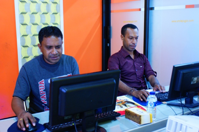 OXFAM Papua Pelatihan geographic information system