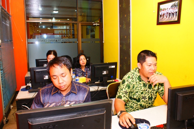 Pelatihan geographic information system