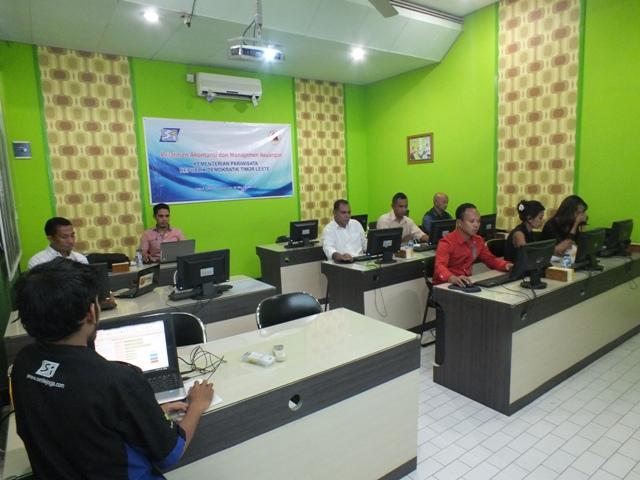 Pelatihan statistik dan database