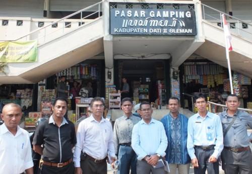 Studi banding di pasar tradisional Gamping