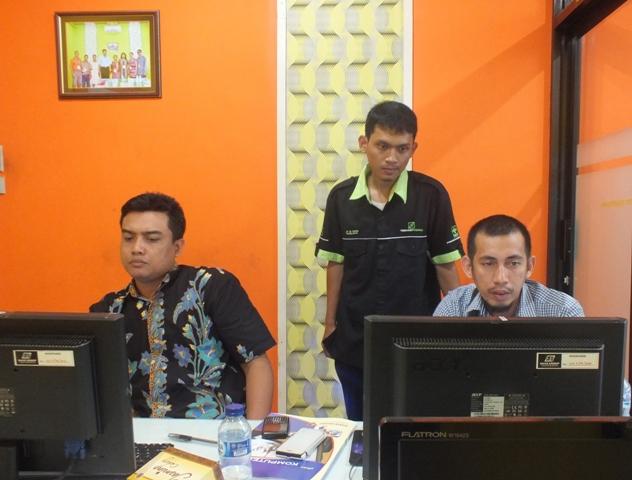 LPMP Sulawesi Tenggara Mengikuti Pelatihan Pemrograman AJAX
