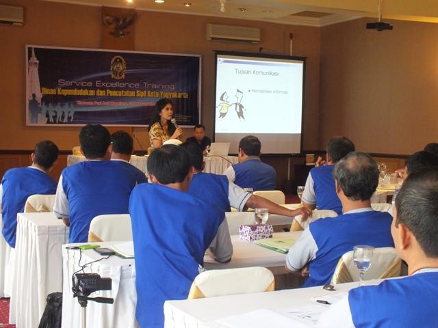 pelatihan Service Excellence