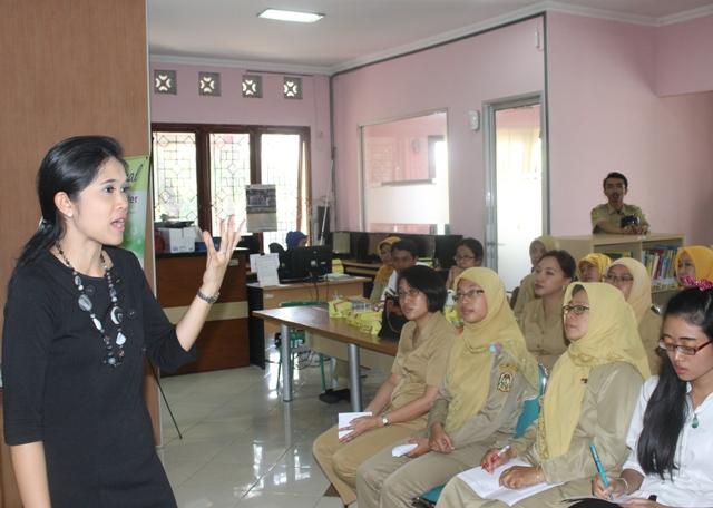 Pelatihan service excellence kantor arsip dan perpustakaan kota