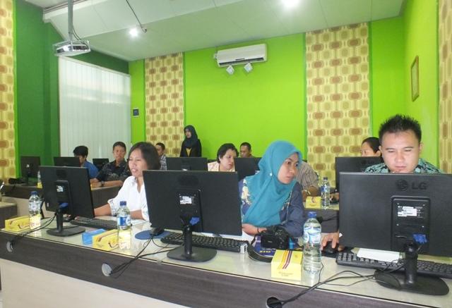 Pelatihan GIS dinas kehutanan, perkebunan, pertanian dan perikanan