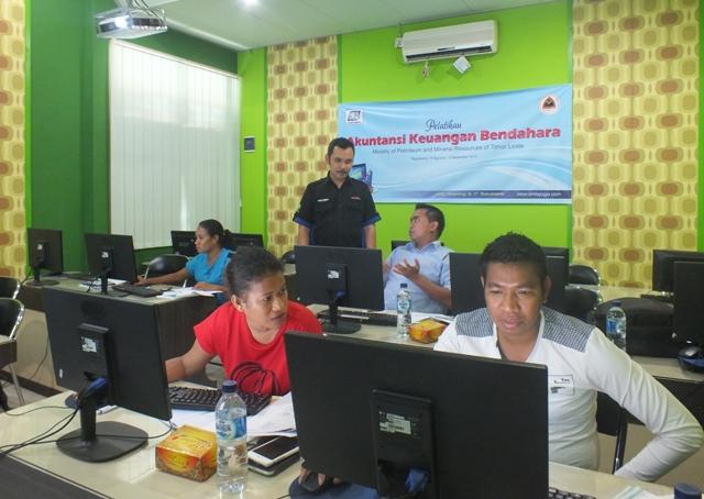 Pelatihan Komputerisasi Akuntansi Keuangan Bendahara