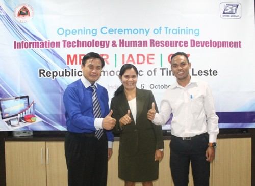 IADE pelatihan web marketing dan akuntansi keuangan