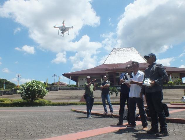 Pelatihan Operasional Drone & Multicopter