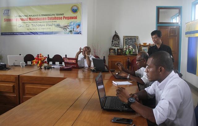 Bimtek Sistem Informasi Manajemen Database Pegawai GKI Papua
