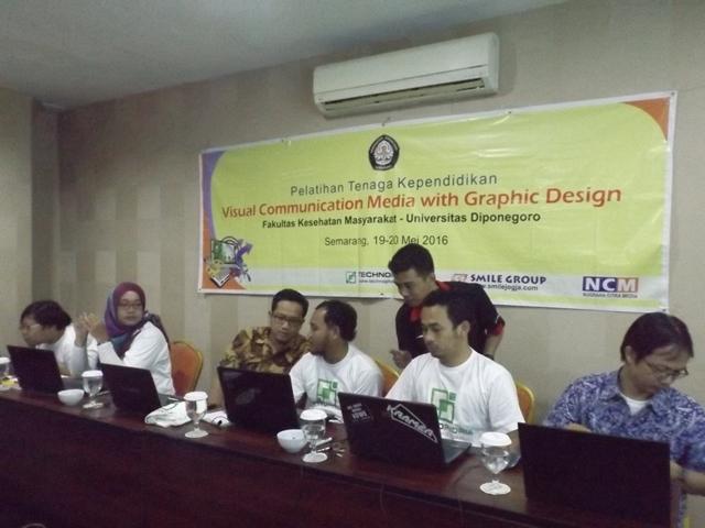 Pelatihan desain grafis dengan Corel