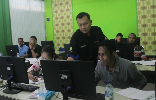 Pelatihan aplikasi perkantoran berbasis TI