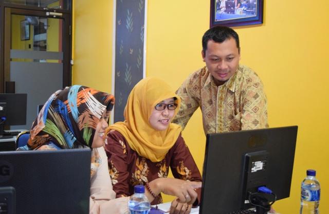 praktik-posting-di-pelatihan-jurnalistik-website