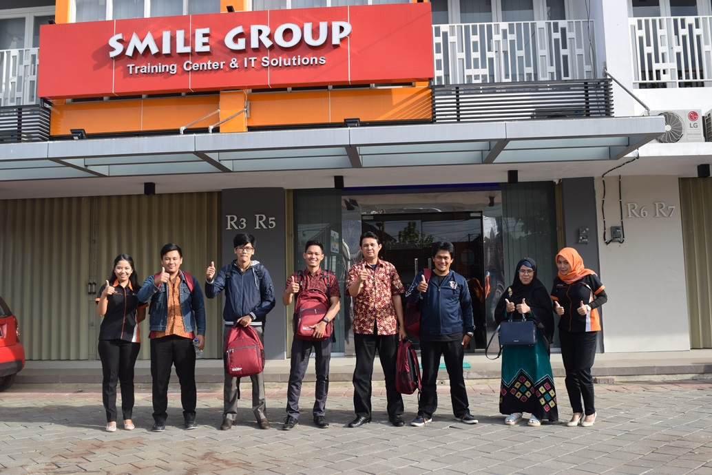 pelatihan it dan pengembangan sdm smile group